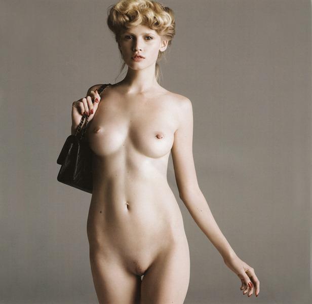 Lara Stone nude | Forrealfashionmodels's Blog