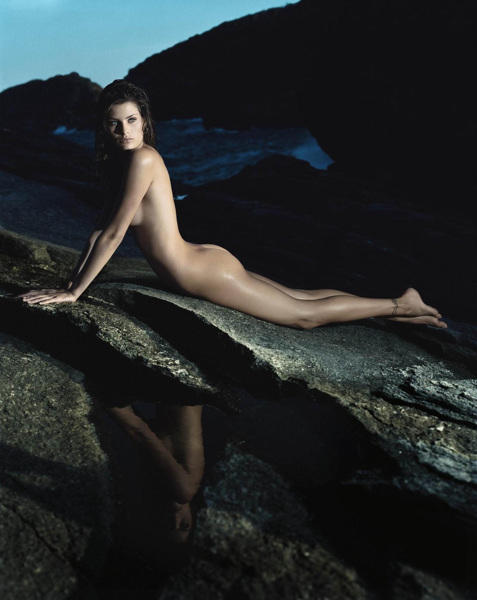 Isabeli Fontana  nackt
