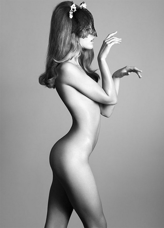 Frida Gustavsson Topless
